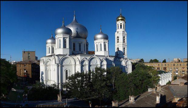 1200px-Preobrazhenskaya-70-7-620x356
