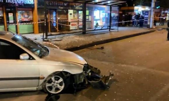 Появилось видео момента ДТП, произошедшего на остановке в Одессе