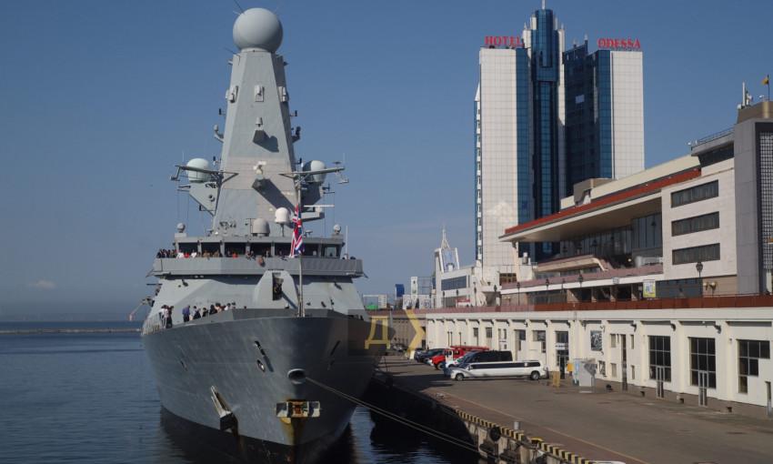 В Одессе подписали меморандум: Британия примет участие в строительстве двух военно-морских баз в Украине и не только