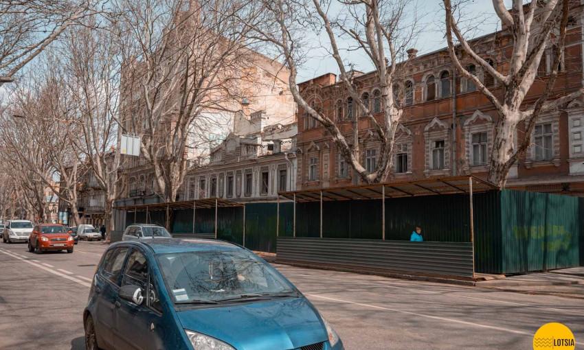 Аваков и Ткаченко остановили стройку в центре Одессы