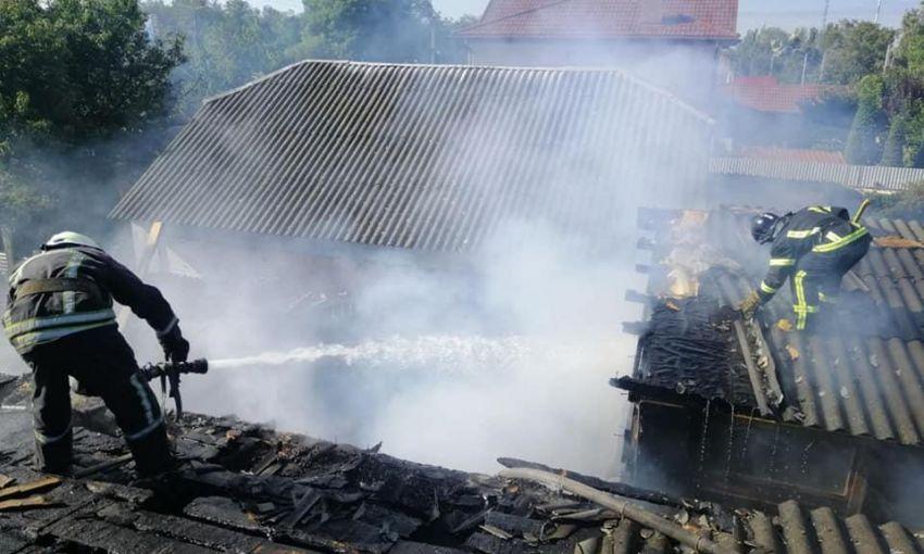 Тушили частный дом: в Одессе произошёл очередной пожар