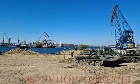 К утилизации танкера Delfi привлекли военных
