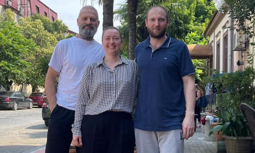 Освобожденные из грузинской тюрьмы одесские моряки вернулись домой