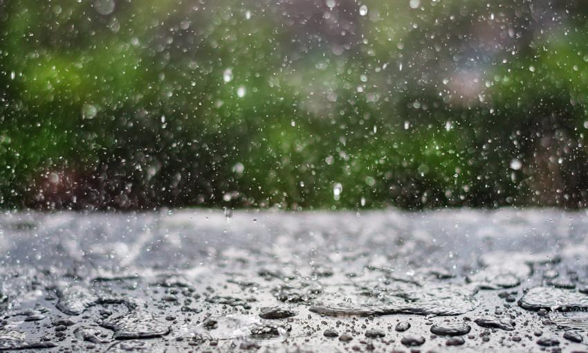 Одесситы, которых недавно затопило водой с фекалиями, снова заливает