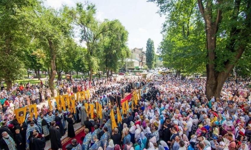 В Одессе тысячи верующих собираются на масштабный крестный ход