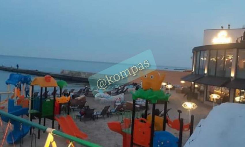 Одесские пляжи готовят к летнему сезону – останется ли место для бесплатного отдыха?