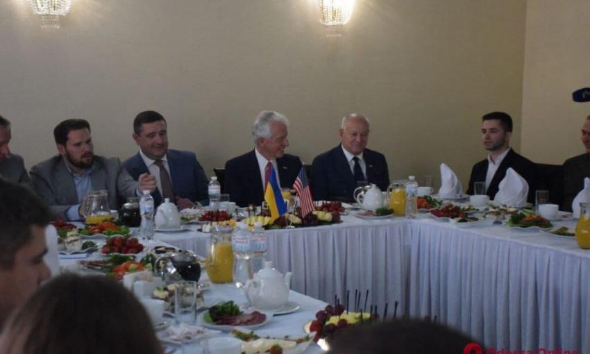 В Одессу прибыл конгрессмен из США