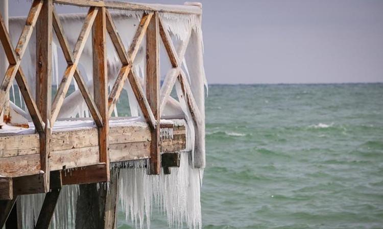 Прекрасная одесская набережная во льду (ФОТО)