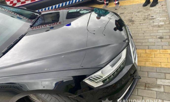 Под Киевом обстреляли автомобиль первого помощника Зеленского