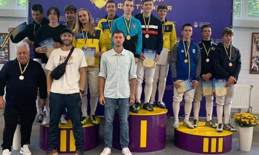 Одесские спортсмены-юниоры взяли серебряные медали чемпионата Украины по фехтованию