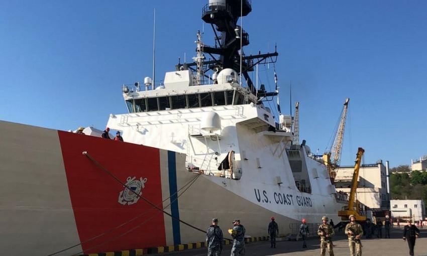 Корабль береговой охраны США пришвартовался в Одессе
