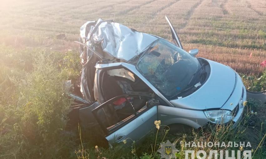 На трассе Одесса-Рени ДТП: легковой автомобиль влетел в фуру