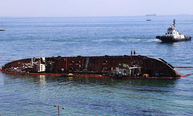 Одесские чиновники планируют отсудить у владельца танкера Delfi 7,5 миллиона гривен