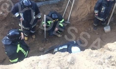 На поселке Котовского на стройке произошел обвал – погибло 2 человека (обновлено)
