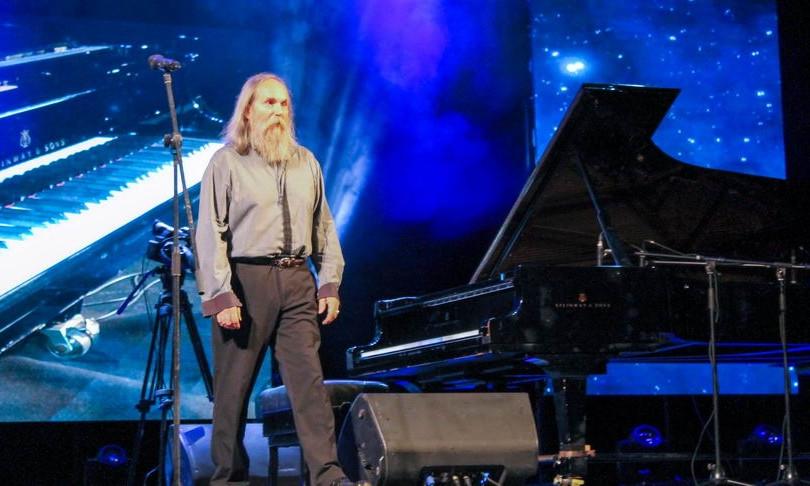 В Одессе сыграл «непрерывную музыку» канадский пианист Любомир Мельник