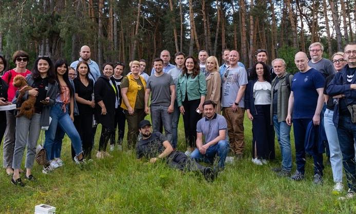 Зеленский устроил пикник для журналистов