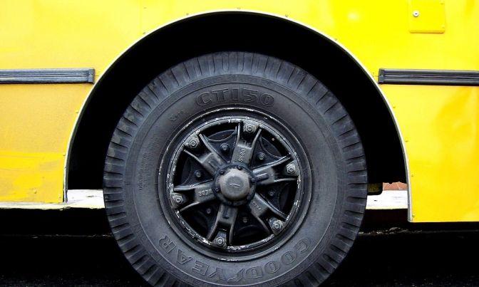 В Одессе у маршрутки отлетело колесо