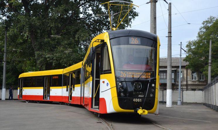 В Одессе неслабо задымил трамвай